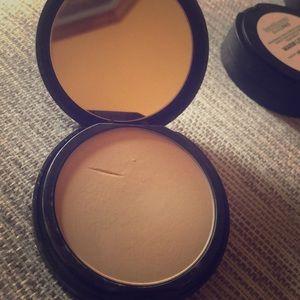 bareMinerals Makeup - Bare Minerals powder foundation